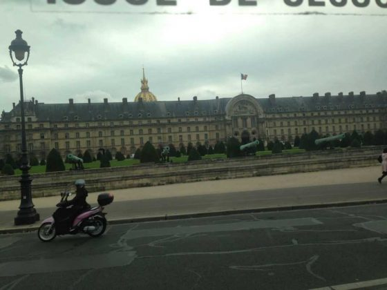 Buildings of Paris • Cultured Black Pearl