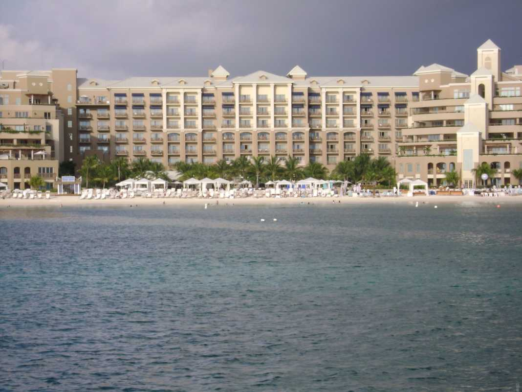The Ritz Carlton, Cayman Islands • Cultured Black Pearl