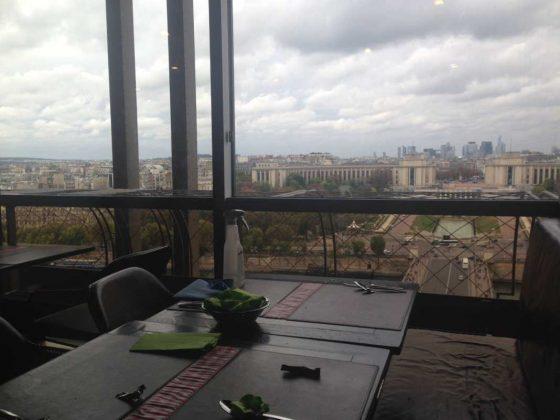 Tour Eifflel: Palais de Chaillot & La Défense