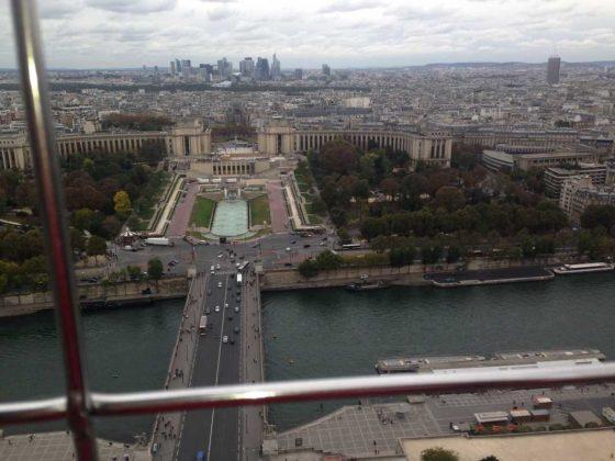 Touring Eiffel: Palais de Chaillot & La Défense