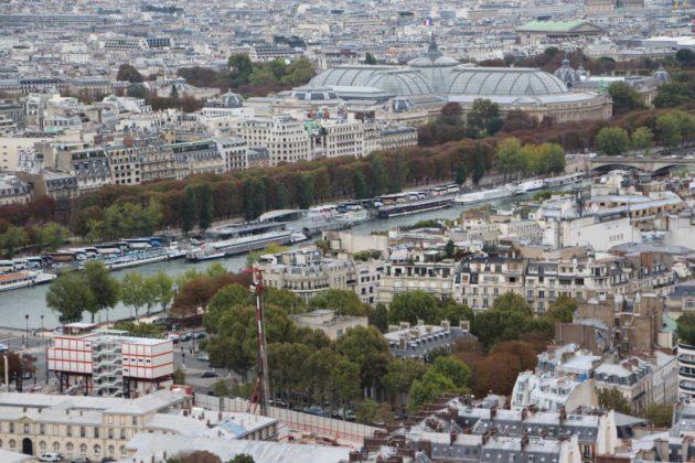 Touring Eiffel, Seine River