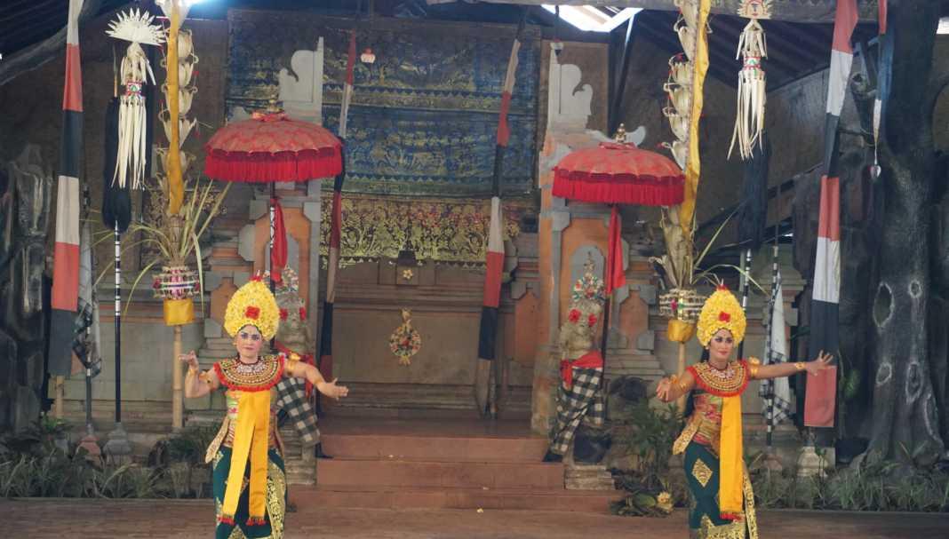 Barong and Keris Dancers
