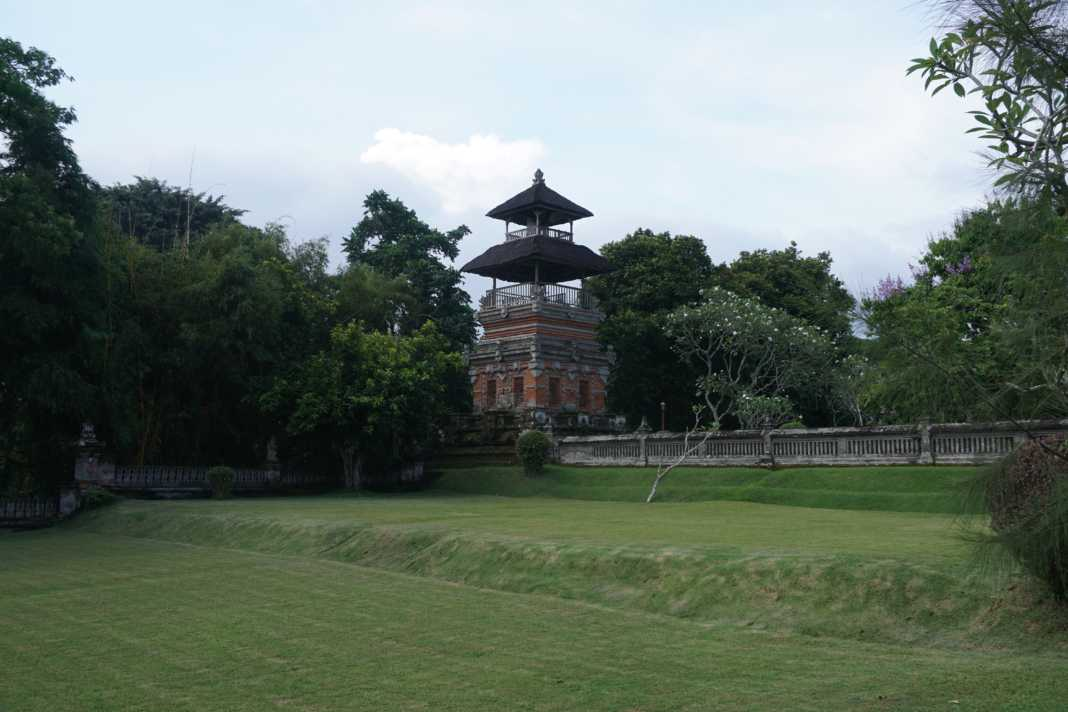 royal_mengwi_temple_belltower