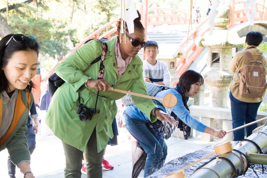 Sumiyoshi Taisha Water Cleanse