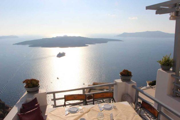 Lunch overlooking the Caldera in Greece