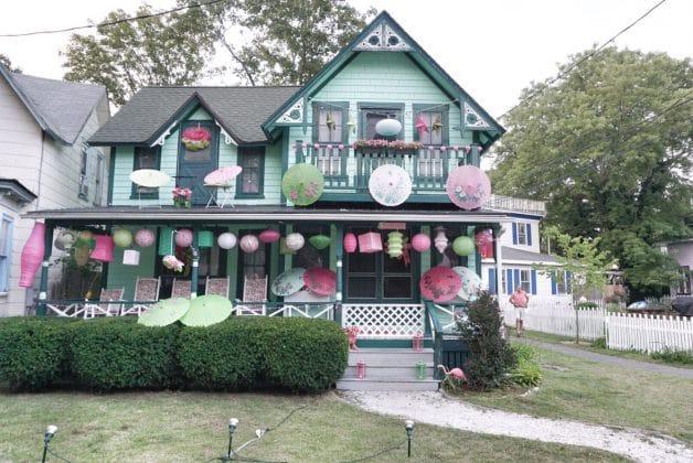 gingerbread-houses-marthas-vineyard